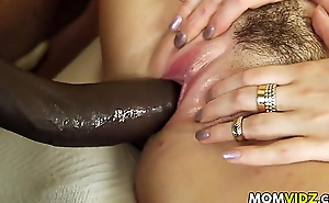 Stepmom Jazmyn with an increment of Paris Lincoln get a fuck lesson