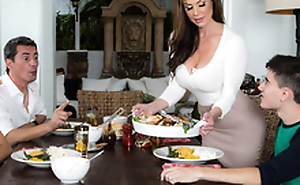 Sexy MILF Kendra Lust And Jordi El Niño – Kendra's Thanksgiving Contents